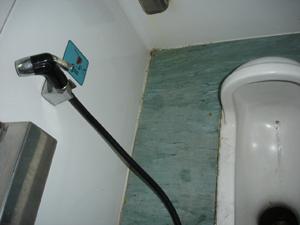 050205マレー列ヤのトイレ1.jpg